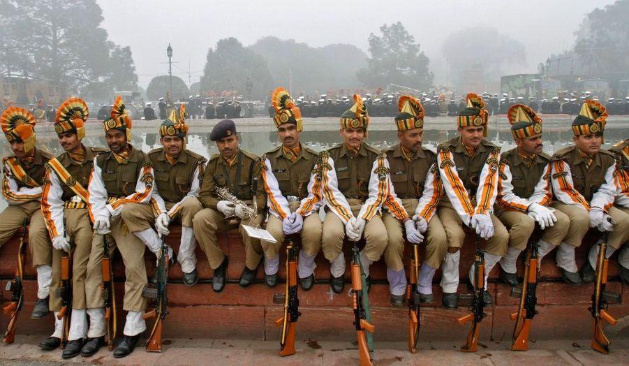 La police des frontières indo-tibétaine (ITBP) assiste aux répétitions pour le défilé de la Fête de la République, qui sera célébrée le 26 janvier prochain à New Delhi, en Inde.