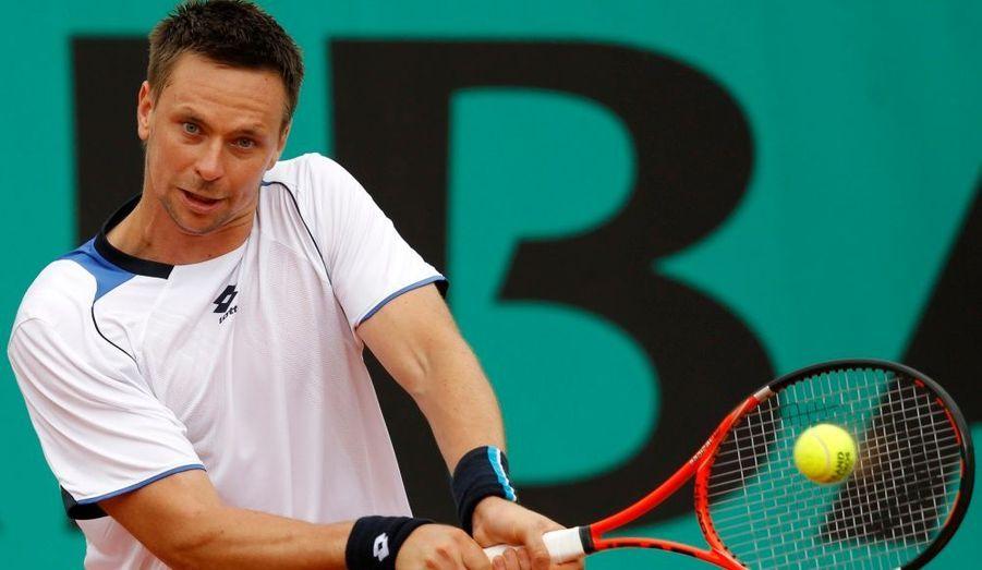 A Roland Garros, Robin Söderling s'est brillamment qualifié hier pour les huitièmes de finale. Le numéro 5 mondial n'a laissé aucune chance à l'américain Taylor Dent, s'imposant avec trois petits sets (6-0, 6-1, 6-1) en un peu plus d'une heure.