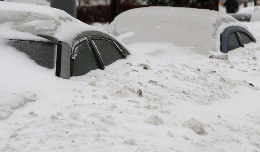Il est tombé beaucoup de neige ces derniers jours à Bucarest. La circulation a été très difficile et on comprend pourquoi.
