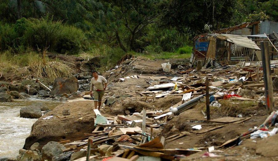 Le bidonville de Barrio del Carmen, près de San Jose au Costa Rica, sinistré par les inondations survenues la semaine dernière.