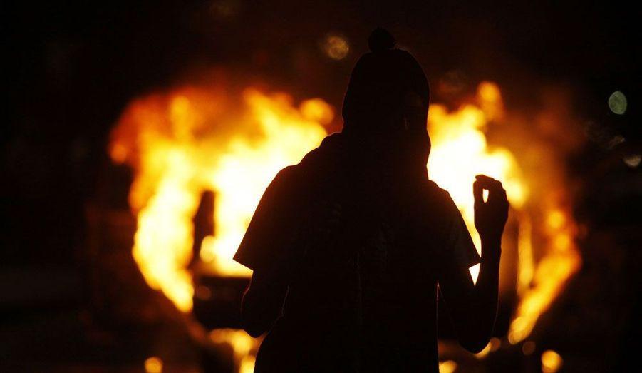 A Morelia, au Mexique, les étudiants en colère ont brûlé une voiture de police. Ils exigent plus de moyens pour l'université et menacent d'incendier six autres véhicules si leurs revendications ne sont pas satisfaites.