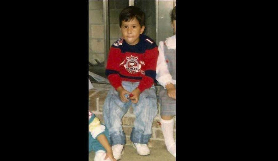 Une photo de George Zimmerman enfant (en 1988), extraite de son dossier judiciaire, alors qu'il sera bientôt jugé pour avoir tué l'adolescent noir Trayvon Martin. Il plaide la légitime défense. La famille de la victime penche pour un crime raciste.