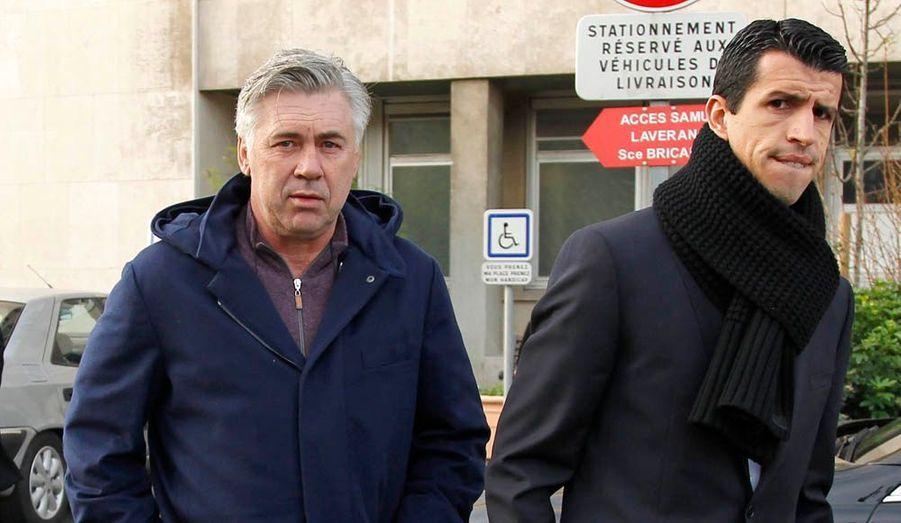 Scruté dans ses moindres déplacements depuis son arrivée dans la capitale française, Carlo Ancelotti a été aperçu jeudi matin à l'hôpital de la Pitié Salpétrière à Paris. L'entraîneur italien est resté une heure dans cet établissement où le PSG a coutume de faire passer les visites médicales à ses nouvelles recrues.