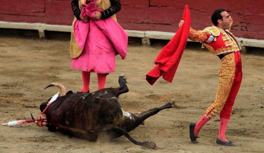 Le torero espagnol Enrique Ponce dans l'arène d'Acho, à Lima, au Peru.