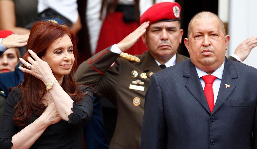 Le président du Venezuela Hugo Chavez accueille son homologue argentine, Cristina Fernandez, à Caracas, en prévision d'un sommet réunissant l'ensemble des pays d'Amérique centrale et latine.