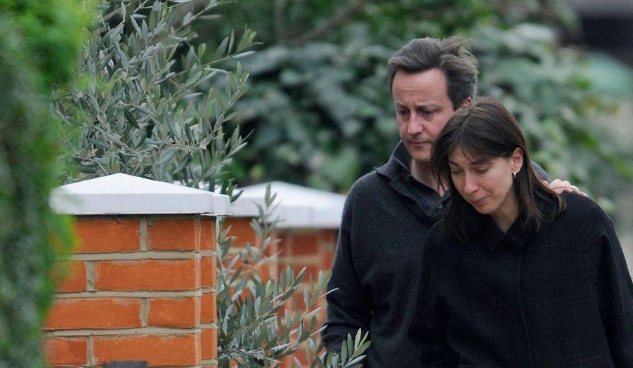 Le leader de l'opposition britannique David Cameron, a perdu son fils. Ivan, âgé de six ans, est décédé à l'hôpital St. Mary de Londres après y avoir été conduit d'urgence dans la nuit. Il souffrait de paralysie cérébrale et du syndrome d'Ohtahara, une forme rare et aiguë d'épilepsie.