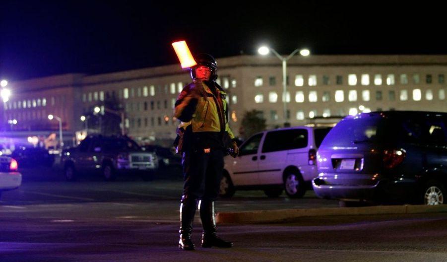 L'armée américaine a fermé le Pentagone jeudi soir après des coups de feu tirés dans une station de métro de Washington proche du complexe militaire. Les médias locaux rapportent que trois personnes ont été blessées par balle. Deux d'entre elles ont été acheminées à l'hôpital George Washington de la capitale américaine. Des agents de sécurité du Pentagone figureraient parmi les victimes.