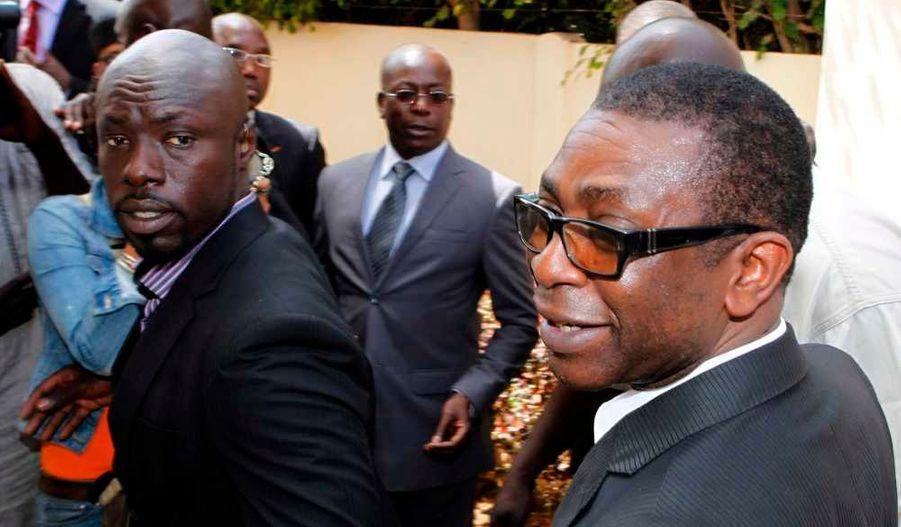 Le chanteur sénégalais Youssou N'dour (à droite) a annoncé son soutien à Macky Sall, le leader de l'opposition à l'élection présidentielle sénégalaise.