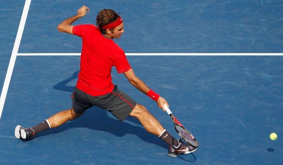 Roger Federer a franchi assez aisément son premier véritable test dans cet US Open 2011, samedi, en écartant le Croate Marin Cilic, en laissant néanmoins filer un set (6-3, 4-6, 6-4, 6-2). Le Suisse, qualifié pour les huitièmes de finale de la dernière levée du Grand Chelem de la saison, retrouvera Tommy Haas ou Juan Monaco au prochain tour.