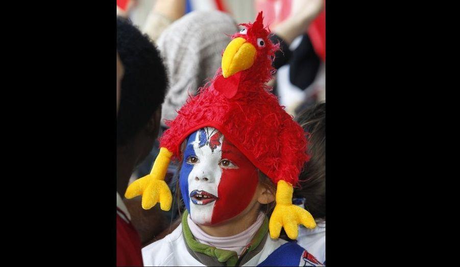 Un jeune fan, accueillant l'équipe de France de Rugby à Auckland, en Nouvelle-Zélande. La Coupe du monde débutera le 9 septembre prochain.