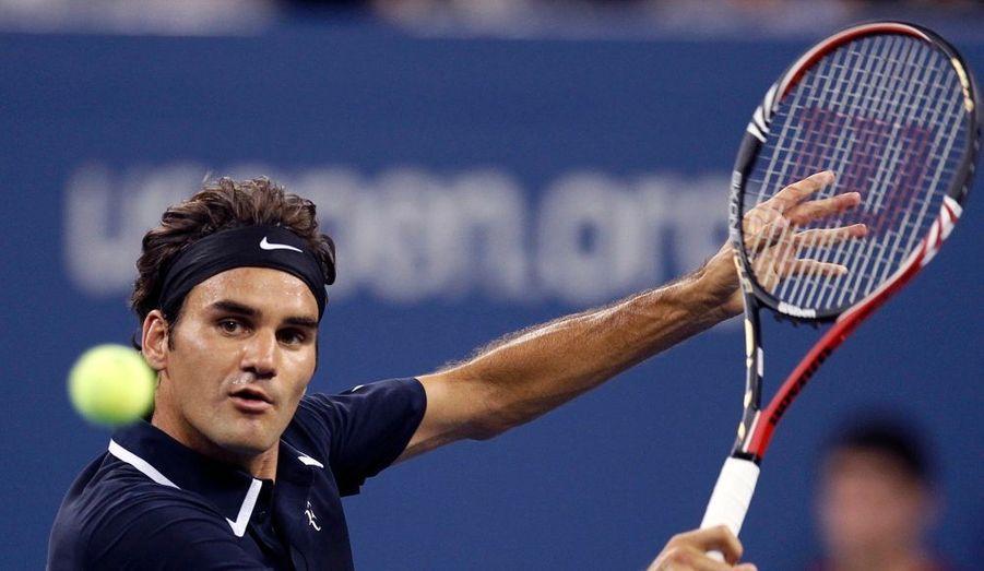 Roger Federer a tranquillement négocié son premier tour à l'US Open lors de la session de nuit. Le Suisse a expédié l'Argentin Brian Dabul en trois sets et moins d'1h40 (6-1, 6-4, 6-2). Il sera ensuite opposé à l'Allemand Karol Beck, qui a dominé son compatriote Michael Berrer.
