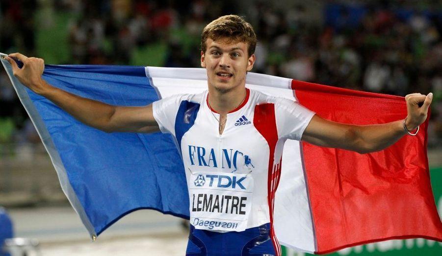 Le Français Christophe Lemaitre a décroché une superbe troisième place en signant un nouveau record de France du 200 m (19.80 contre 20.16) samedi, en finale des championnats du monde, à Daegu.