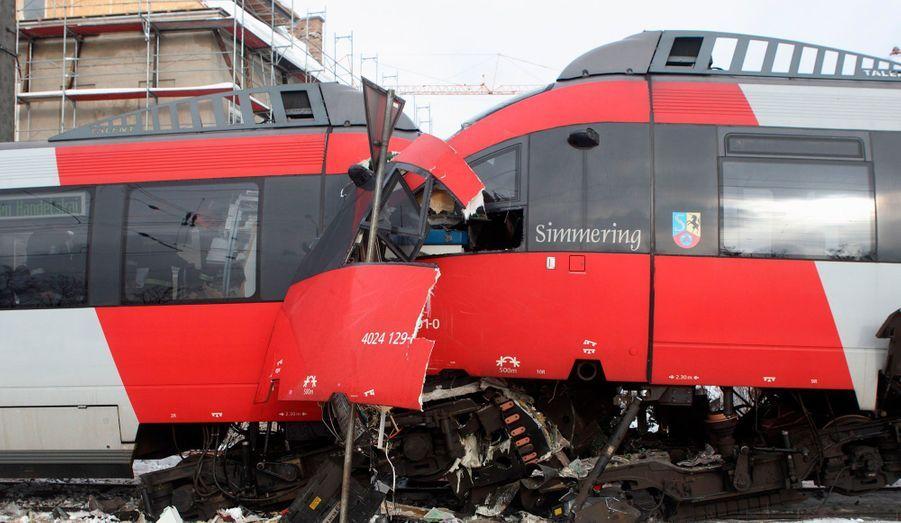 Deux trains se sont percutés en gare de Vienne, en Autriche. On dénombre 25 blessés.