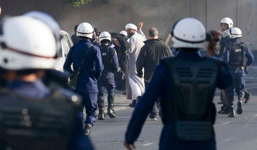 Les manifestations contre la dynastie des Khalifa se poursuivent au Bahreïn, comme ici dans le quartier de Ras Roman, dans la capitale Manama.