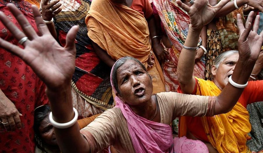"""Des membres du parti d'opposition """"Bharatiya Janata Party"""" en Inde ont manifesté aujourd'hui à New Delhi. Ils dénoncent des actes de corruption et de fraude dans l'organisation des Jeux du Commonwealth, qui auront lieu en octobre 2010. Ils exigent une enquête."""