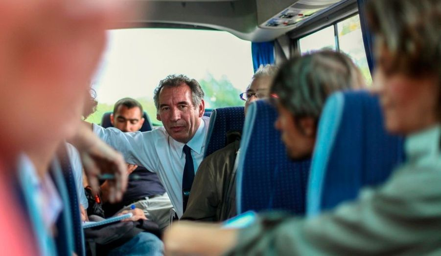 François Bayrou, en déplacement à la réunion dimanche et lundi. Le candidat du MoDem s'est dit favorable à la réglementation des prix sur l'île lors d'un entretien avec la presse locale.