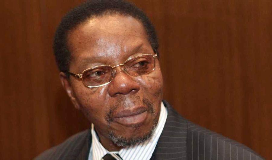 Le président du Malawi, Bingu wa Mutharika, 78 ans, est décédé d'une crise cardiaque, indiquent des sources médicales et gouvernementales. Le chef de l'Etat a été conduit d'urgence dans un hôpital de la capitale Lilongwe après avoir fait un malaise vendredi mais il est décédé avant son arrivée aux services des urgences, ont ajouté les sources.