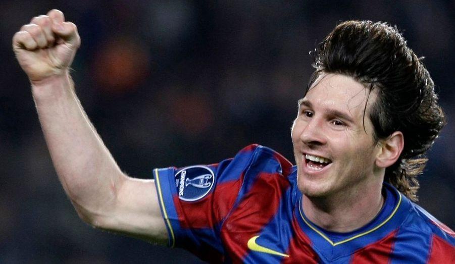 Lionel Messi, l'attaquant argentin du FC Barcelone, a qualifié à lui tout seul le club catalan. D'un magnifique quadruplé, il a atomisé Arsenal (4-1) lors du quart de finale retour de la Ligue des Champions.
