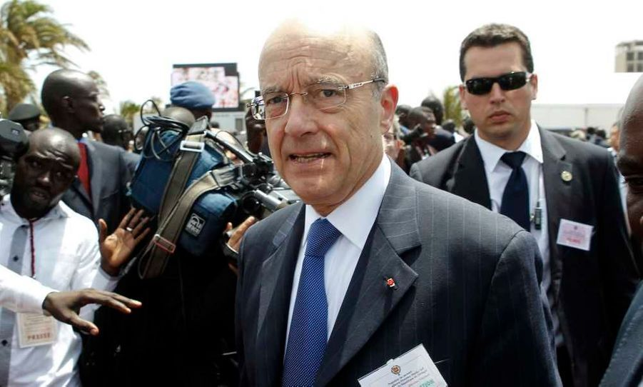 Le ministre français des Affaires étrangères, Alain Juppé, a participé ce lundi à la cérémonie d'investiture du nouveau président sénégalais, Macky Sall, à Dakar.