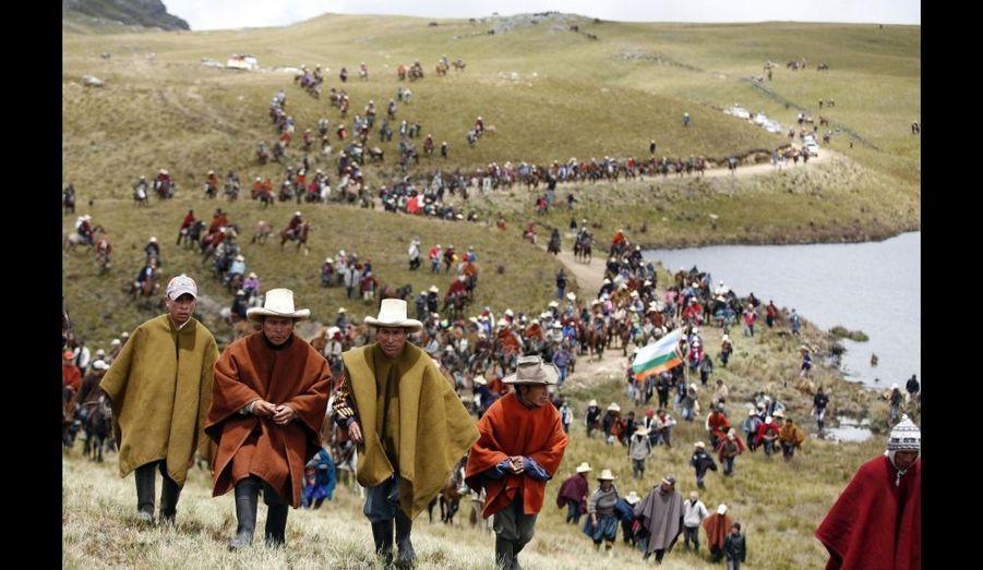 Les habitants de la région de Cajamarca, située à 870 km de Lima, au Pérou, des milliers de personnes continuent de protester contre le projet de mine d'or et de cuivre contrôlée par le géant américain Newmont. La mine sera construite près d'un lac de la lagune Cortaba dans le Nord andin. Cette mine sera une source de contamination du lac, dénoncent-elles.