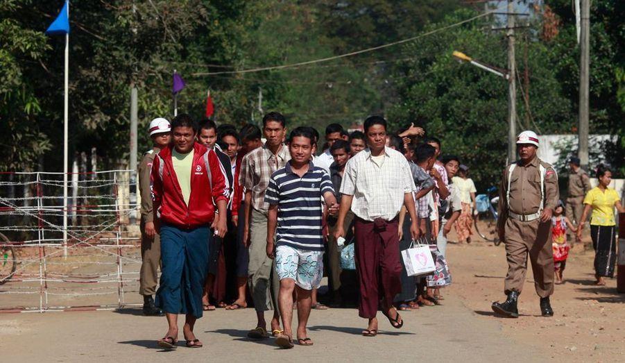 Le président de Birmanie, Thein Sein, a annoncé une nouvelle vague de libérations dans le pays, afin de fêter l'anniversaire de l'indépendance. Les peines de mort ont également été commuées en peines de prison à vie, indiquent les médias d'Etat.