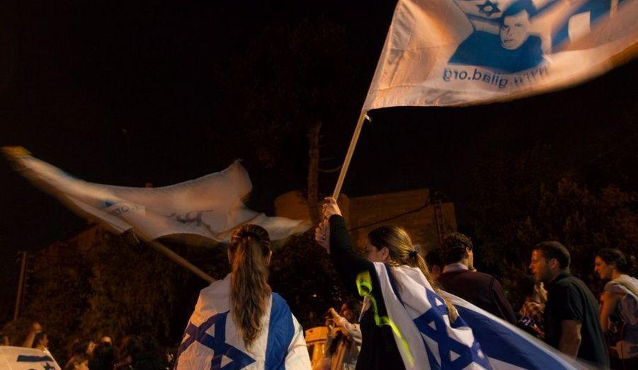 Scènes de joie à Jérusalem. Israël et le Hamas ont révélé mardi soir avoir conclu un accord sous médiation égyptienne pour échanger le soldat franco-israélien Gilad Shalit contre un millier de prisonniers palestiniens.
