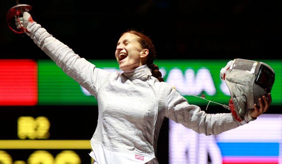 ... championne. La Russe Sophia Velikaia a remporté aujourd'hui le titre de championne du monde de sabre, à Catane, en Italie.
