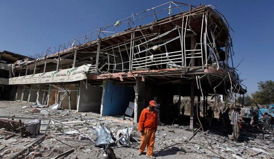 Une explosion survenue à proximité de l'ambassade d'Inde jeudi dans le centre de la capitale afghane Kaboul a tué sept civils afghans et fait 45 blessés, a-t-on appris de source proche de la police afghane.