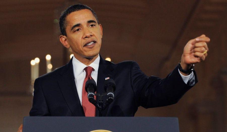 """Le prix Nobel de la paix a été attribué vendredi au président américain Barack Obama """"pour ses efforts extraordinaires en vue de renforcer la diplomatie internationale et la coopération entre les peuples"""", a annoncé le jury du prix à Oslo. Le comité norvégien a indiqué avoir «attaché beaucoup d'importance à la vision et aux efforts d'Obama en vue d'un monde sans armes nucléaires»."""
