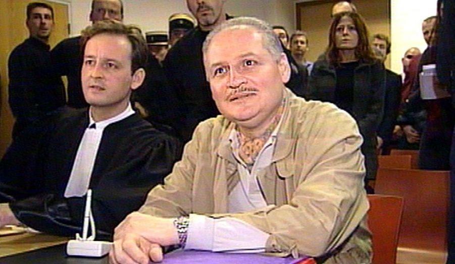 La cour d'assises spéciale de Paris a condamné jeudi Ilich Ramirez Sanchez à la réclusion à perpétuité pour quatre attentats qui avaient fait onze morts en 1982 et 1983.