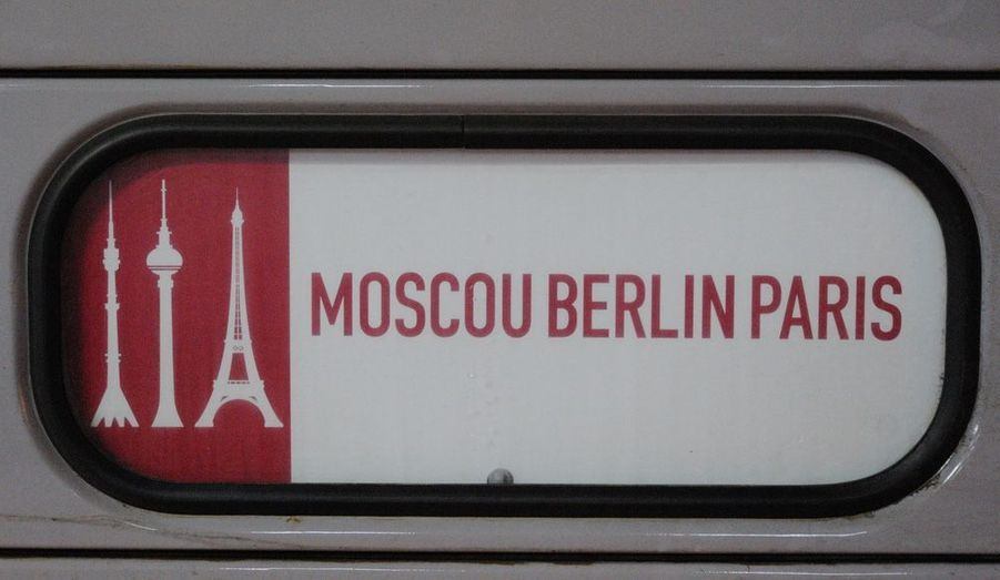 Le premier train Moscou-Berlin-Paris est arrivé mardi soir. Avec une hôtesse de renommée mondiale, la chanteuse Patricia Kass.