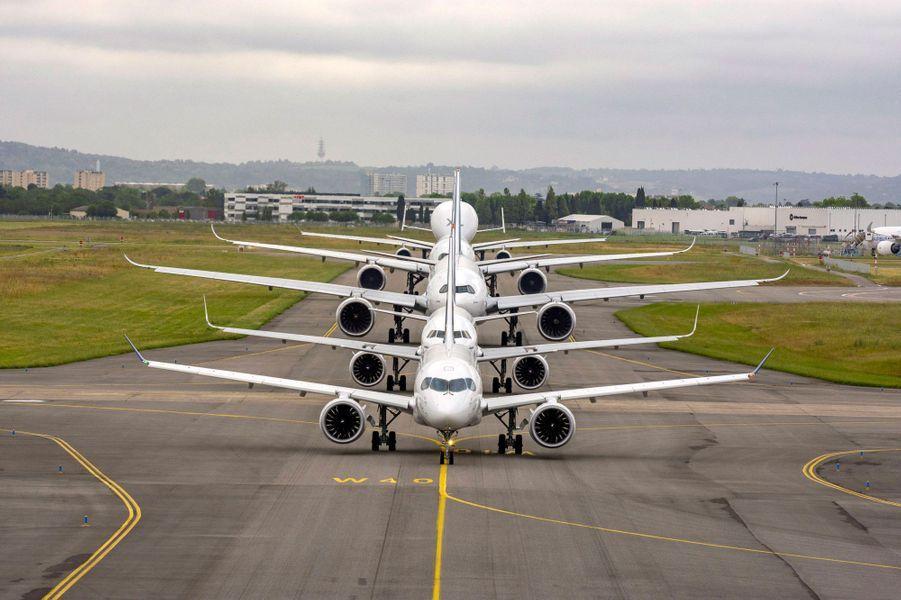 Sur le tarmac de Toulouse-Blagnac, mercredi, pour le cinquantième anniversaire d'Airbus.