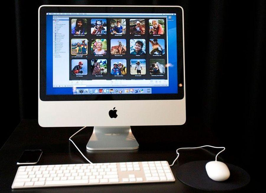 L'iMac n'a cessé de se développer à travers les années, passant aux écrans plats au milieu des années 2000.