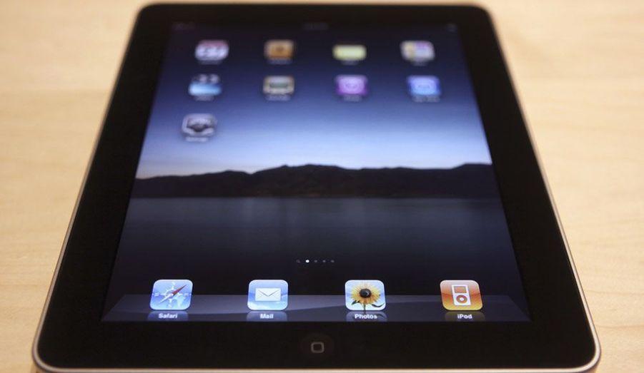 En avril 2010, est lancé l'iPad, la première tablette tactile.