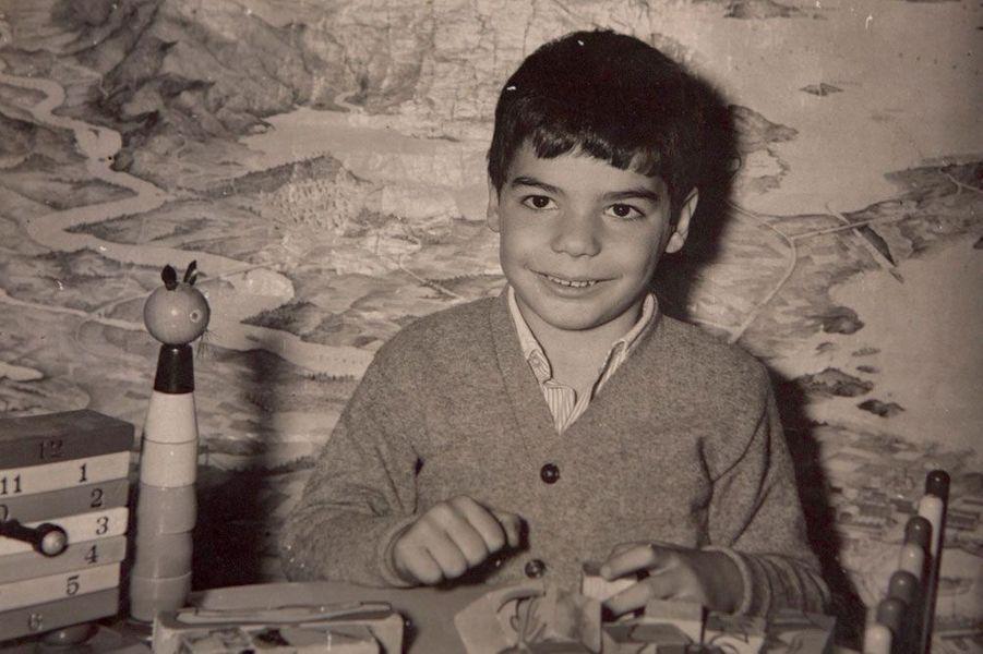 Yanis à l'âge de 5 ans, dans les années 60.