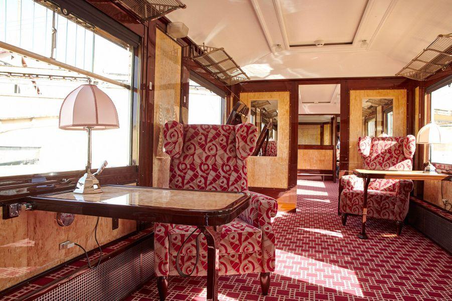 La 4148 est la dernière des sept voitures Pullman historiques acquises par la SNCF en 2011 à avoir été restaurée. Le train ainsi reconstitué sera pour la première fois présenté au public gare de l'Est, le mercredi 15 mai.