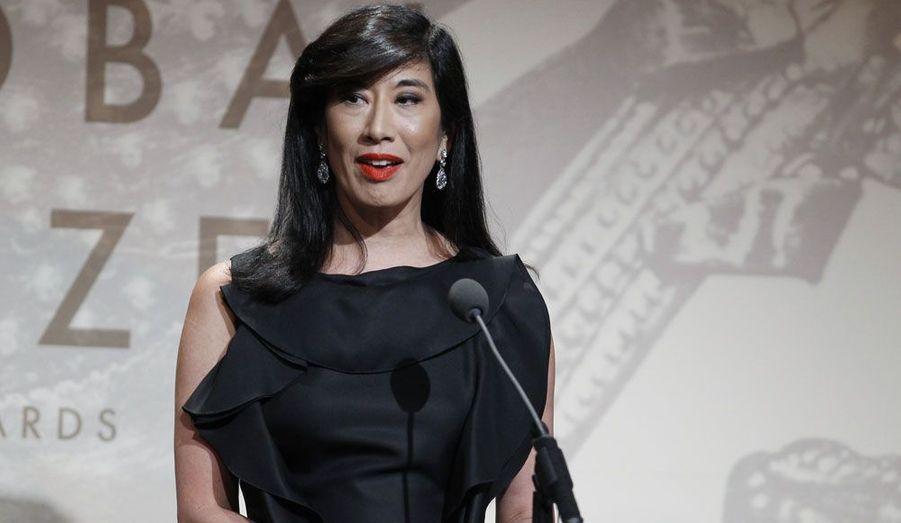 Américano-canadienne de 53 ans, Andrea Jung préside la firme de cosmétiques Avon, dont elle a cédé la direction exécutive en avril à une autre femme, Sherilyn McCoy.