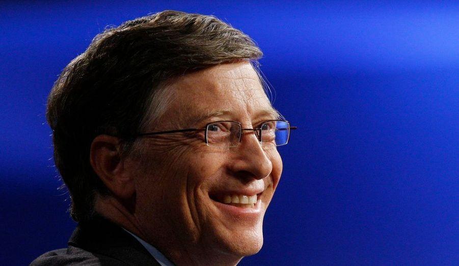 Avec 53 milliards de dollars, le capital financier de Bill Gates se situe juste en dessous de la fortune accumulée par Carlos Slim. La société de logiciels micro-informatique, Microsoft, fondée avec son ami d'alors, Paul Allen, lui a permis d'atteindre un succès commercial sans précédent. Il est ainsi devenu l'homme le plus riche du monde de 1996 à 2007. Aujourd'hui, il est considéré comme le deuxième homme d'affaires le plus puissant du monde par le magazine Forbes.