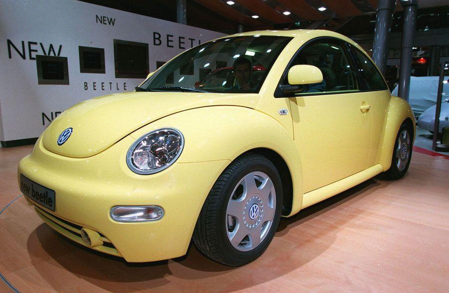 La Volkswagen New Beetle au salon de l'automobile de Paris en 1998.