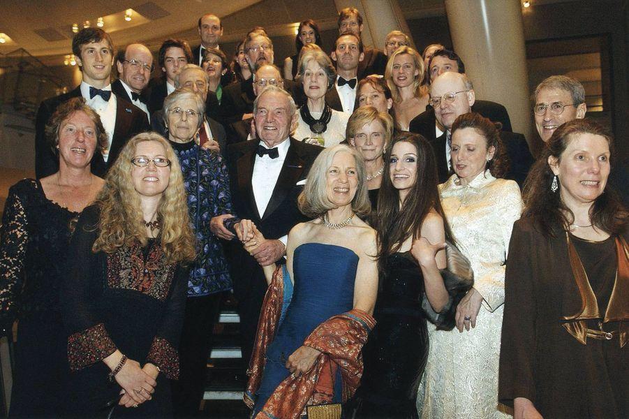 La famille Rockefeller Musée d'Histoire Naturelle de New York pour une soirée de gala consacrant ses actions en faveur de l'environnement : au centre, David Rockefeller, le chef de la dynastie