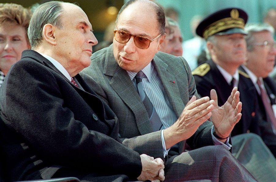 François Mitterrand et Serge Dassault en juin 1989 au Bourget.