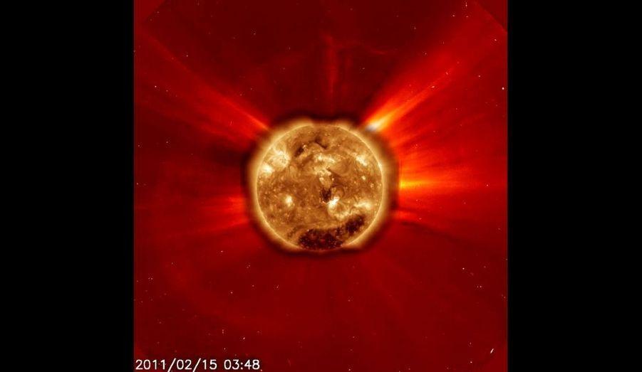 L'éruption de 2011 en ultraviolet
