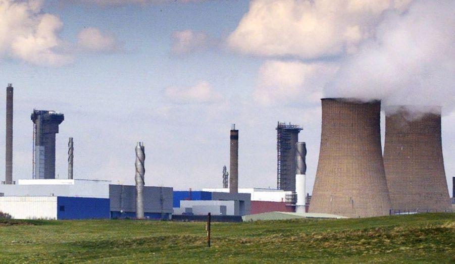 Une fuite de combustible liquéfié radioactif cachée pendant neuf mois aux médias britanniques.