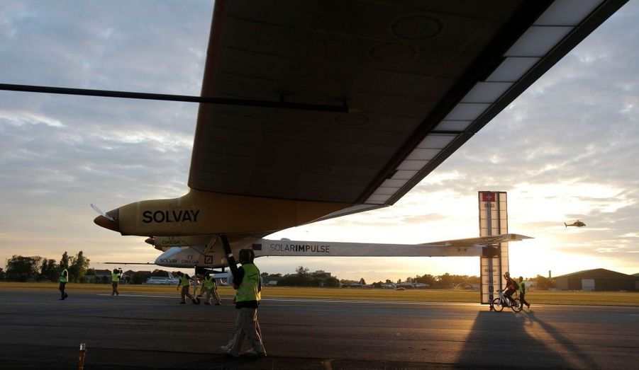 """Malheureusement, le vol ne sera pas homologué comme """"solaire"""". En raison des mauvaises conditions météorologiques, il a dû recharger 40% de la batterie avec du courant électrique."""