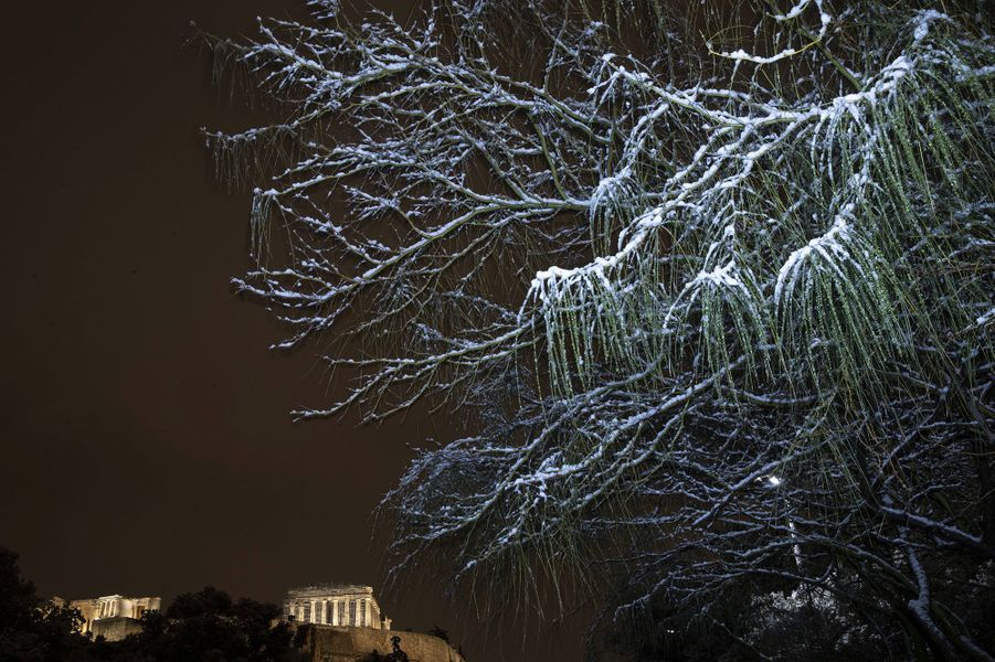 L'Acropoled'Athènes sous la neige.