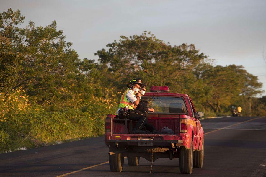 Le volcan Fuego s'est réveillé lundi, provoquant l'évacuation de quelque 3000 personnes au Guatemala.