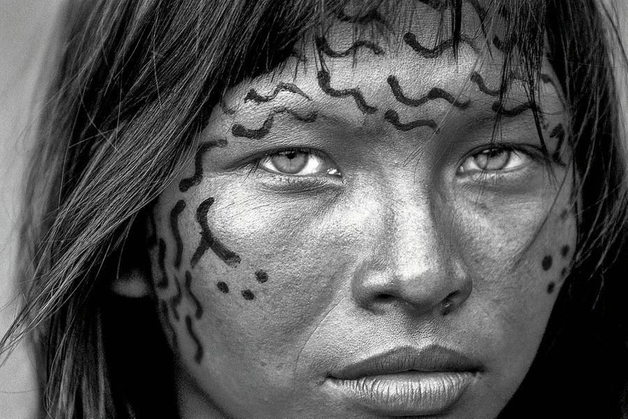 Penha, une Yanomani de 22 ans, dans l'Etat d'Amazonas.