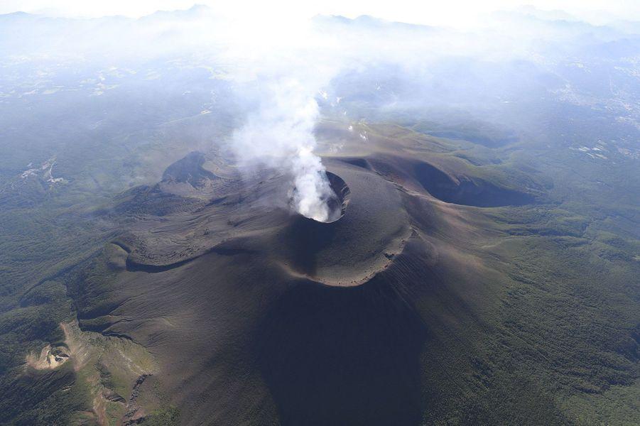 Le volcan Asama s'est réveillé dans la nuit de mercredi à jeudi, au Japon