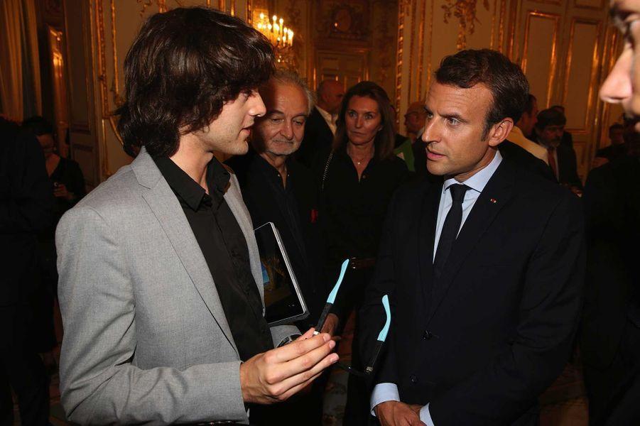 A l'Elysée avec Emmanuel Macron et Jacques Attali, lors du Global Positive Forum de 2017.
