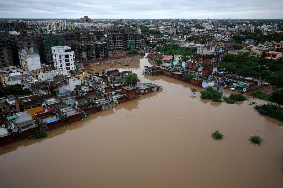Vue aérienne de la ville d'Ahmedabad.